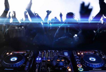 What-DJs-REALLY-do-BeatSaz.ir-tm